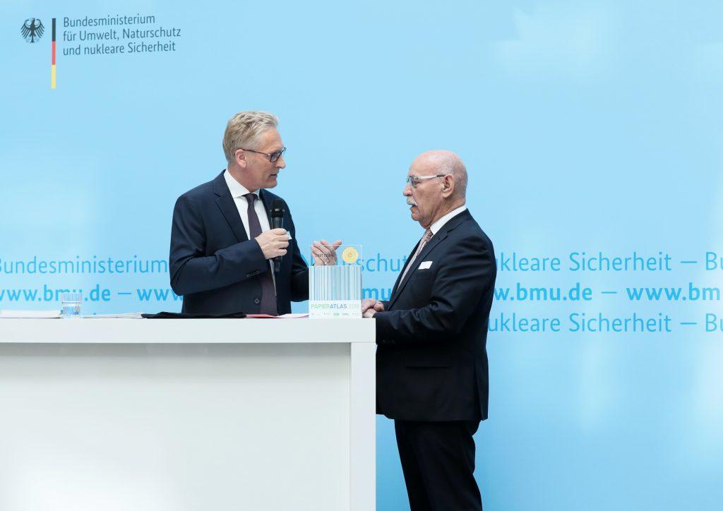 Kurzinterview der Stadt Essen, v.l.n.r.: Sönke Nissen (Geschäftsführer der IPR), Rudolf Jelinek (1. Bürgermeister der Stadt Essen), Foto: Foto Kirsch